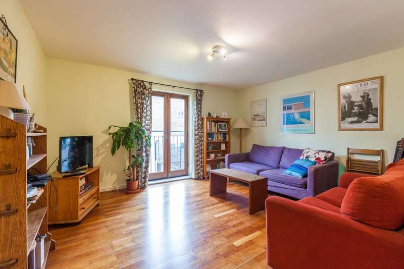 2 Bedrooms Flat for sale in Sunlight Square, Bethnal Green, E2