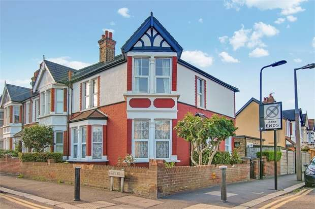4 Bedrooms End Of Terrace House for sale in Essex Road, Leyton, London