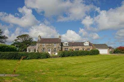 7 Bedrooms Detached House for sale in Llandwrog, Caernarfon, Gwynedd, LL54