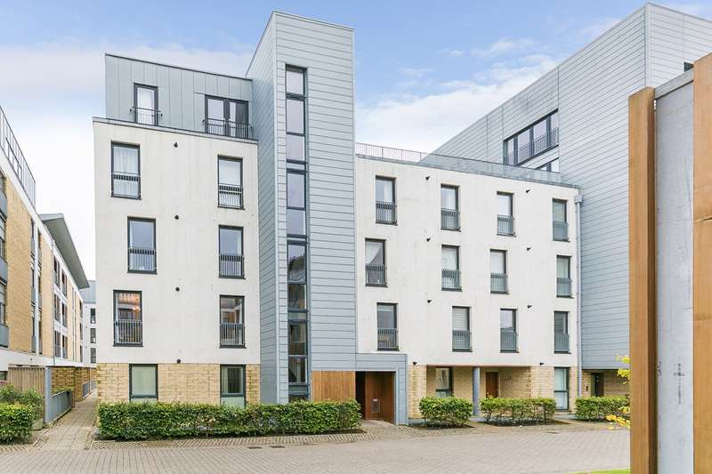 2 Bedrooms Flat for sale in Kimmerghame Path, Edinburgh, EH4