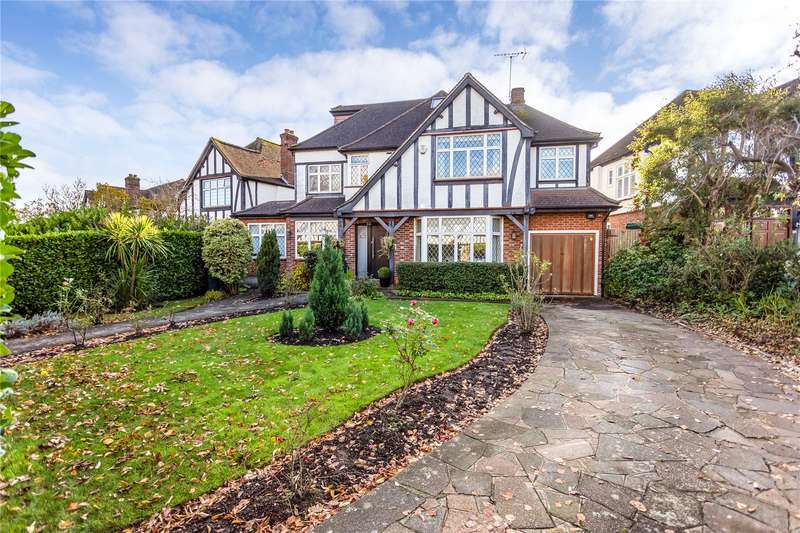 5 Bedrooms Detached House for sale in Kings Drive, Edgware, HA8