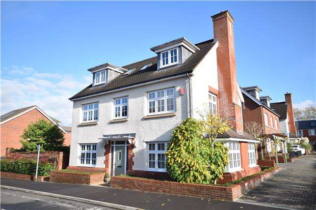 6 Bedrooms Detached House for sale in Tinding Drive, Cheswick Village, BRISTOL, BS16 1FS