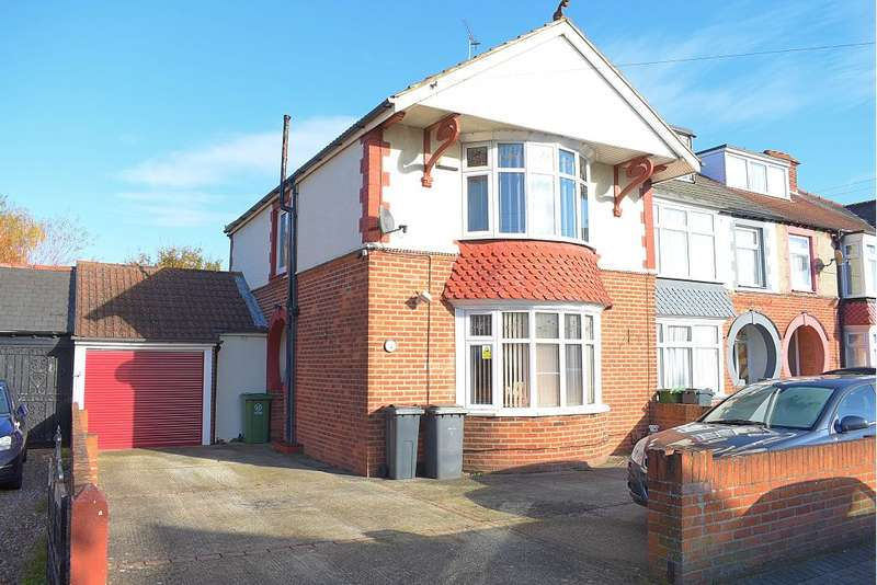 3 Bedrooms House for sale in Hawthorn Crescent, Cosham, Portsmouth, PO6 2TJ