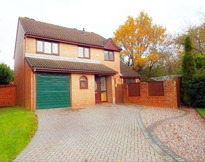 4 Bedrooms Detached House for sale in Rockingham Close, Birchwood, Warrington, Cheshire