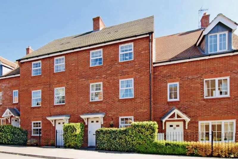 3 Bedrooms House for sale in Gibbards Close, Sharnbrook, Bedford, Bedfordshire, MK44