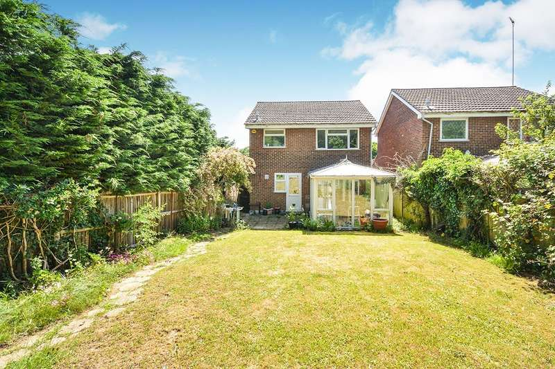 3 Bedrooms Detached House for sale in Weyhill Close, Maidstone, Kent, ME14