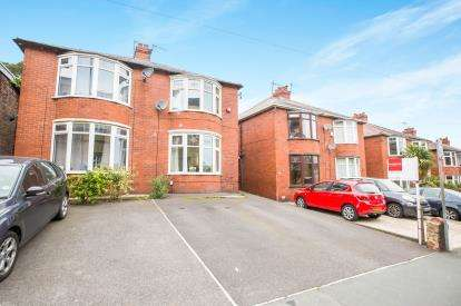 3 Bedrooms Semi Detached House for sale in Coronation Street, Elland, West Yorkshire