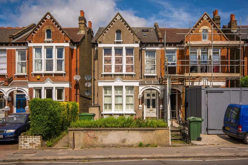 1 Bedroom Flat for sale in Greyhound Lane, Streatham, SW16