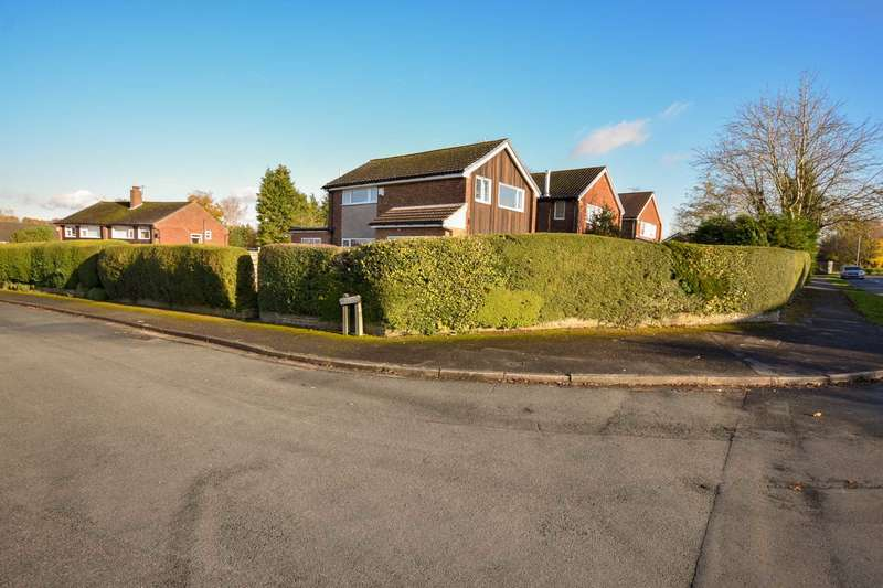3 Bedrooms Detached House for sale in FIR CLOSE, POYNTON