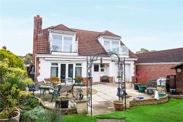 4 Bedrooms Detached House for sale in Washingborough Road, Heighington, Lincoln