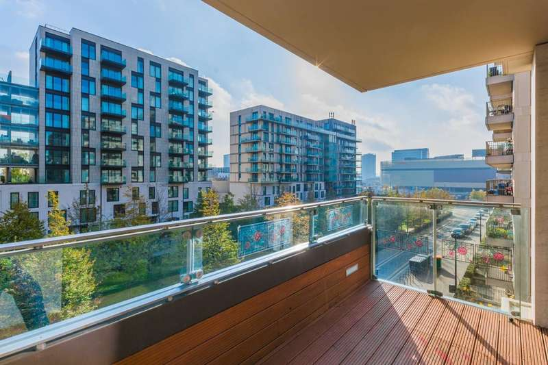 3 Bedrooms Flat for sale in Festuca House, Stratford, E20