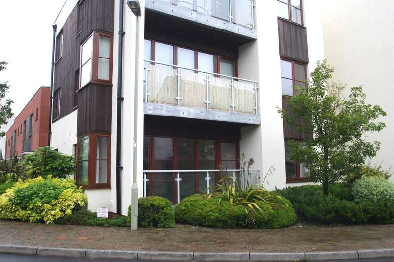 2 Bedrooms Apartment Flat for rent in Limes Park, Basingstoke, Hampshire