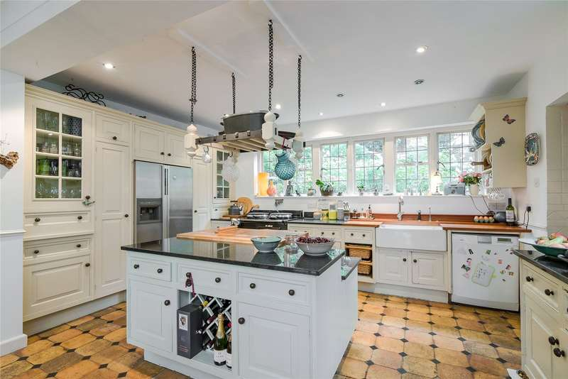 4 Bedrooms Detached House for sale in Victoria Drive, Southfields, SW19