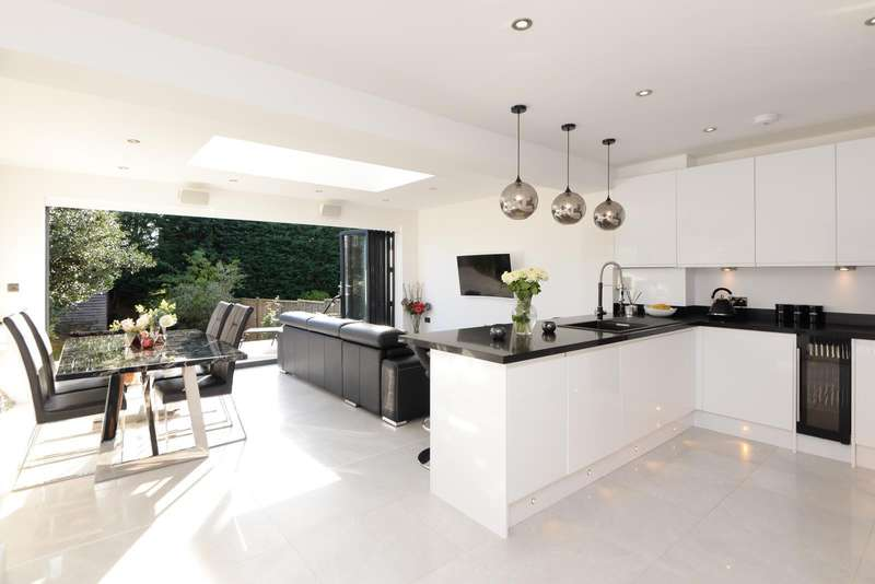 3 Bedrooms Detached House for sale in Island Road, Sturry, Nr Canterbury, CT2