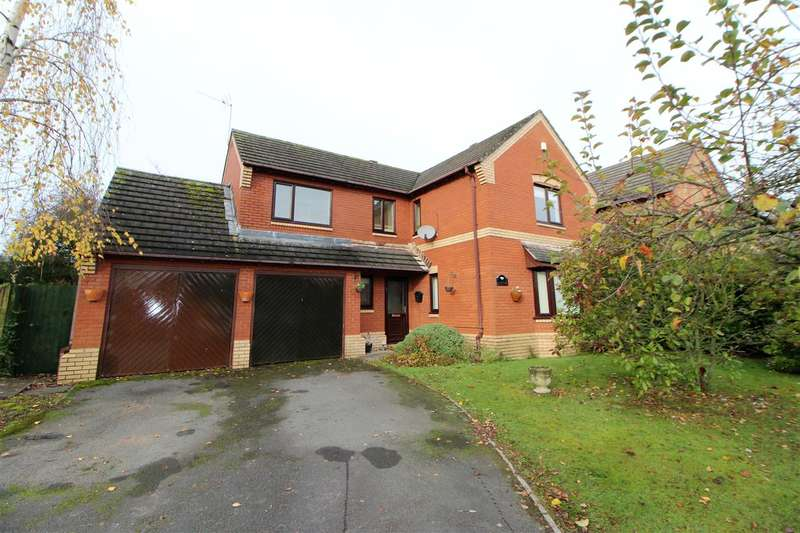 4 Bedrooms Detached House for sale in Martins Road, Caerwent