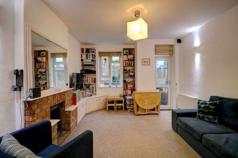3 Bedrooms Property for sale in Tulse Hill, London