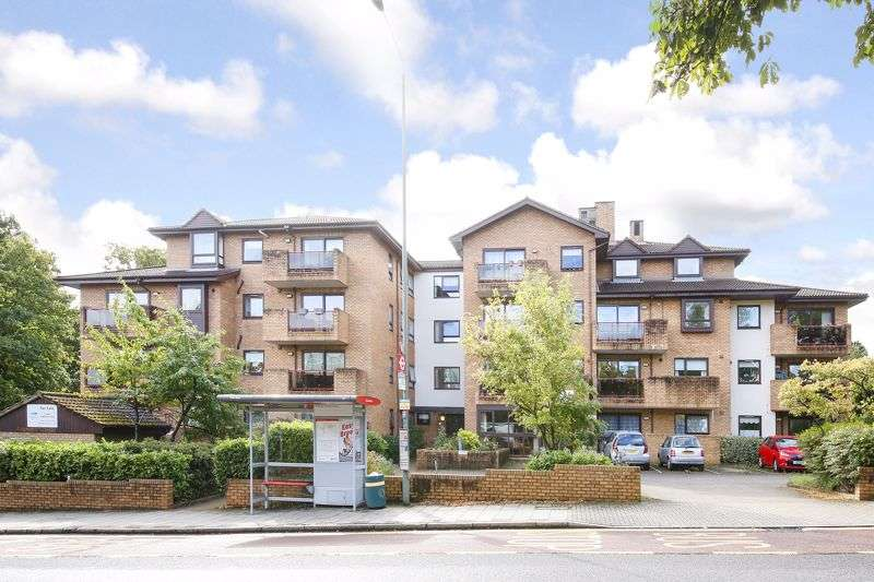 1 Bedroom Property for sale in Challoner Court, Bromley: BALCONY WITH LOVELY VIEWS- WEST FACING & MUST BE VIEWED**