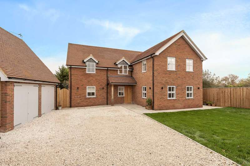 5 Bedrooms Detached House for sale in Buckland