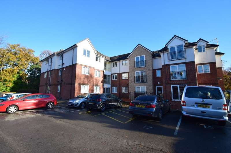 2 Bedrooms Flat for sale in Hollyhedge Road, Manchester