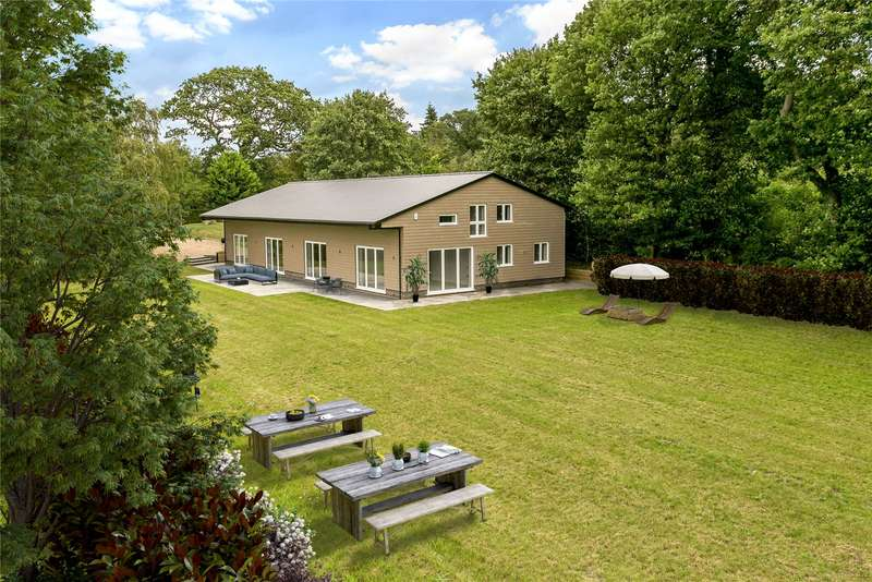 5 Bedrooms Detached House for sale in Hollybush Hill, Stoke Poges, Buckinghamshire, SL2