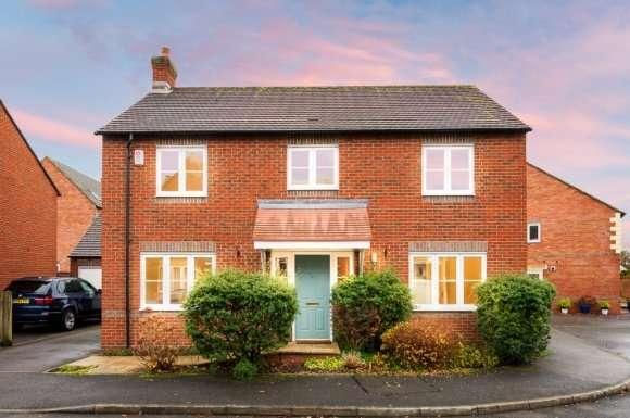 4 Bedrooms Detached House for sale in Deadmans Lane, Greenham, RG19