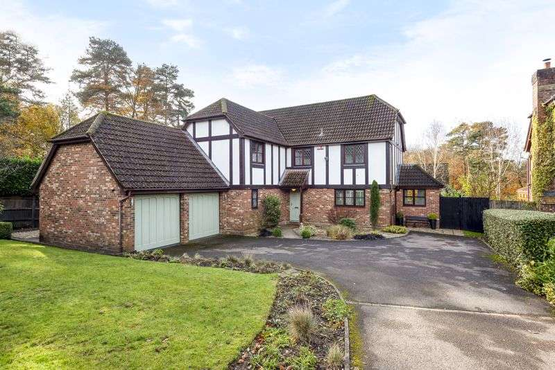 5 Bedrooms Property for sale in No onward chain - Corry Road, Hindhead