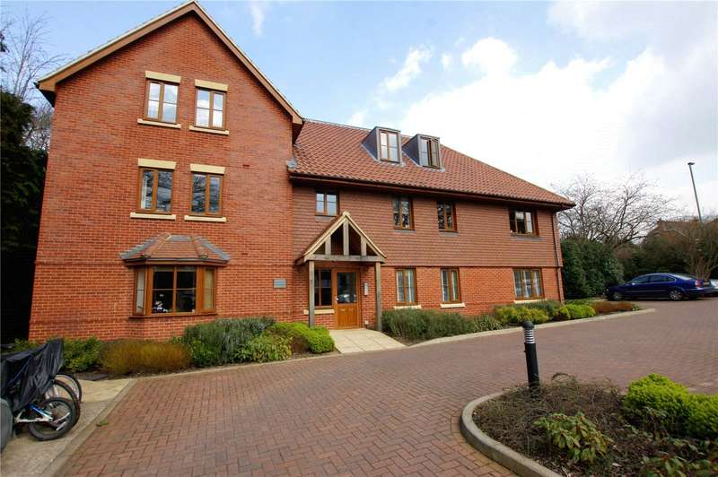 2 Bedrooms Apartment Flat for rent in Ashley House, Waverley Close, Camberley, Surrey, GU15
