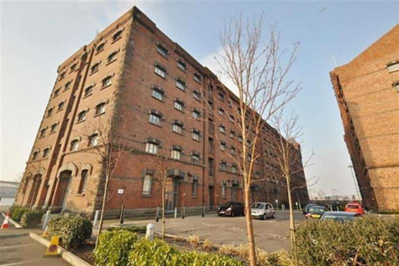 2 Bedrooms Flat for sale in East Float Quay, CH41 1DP