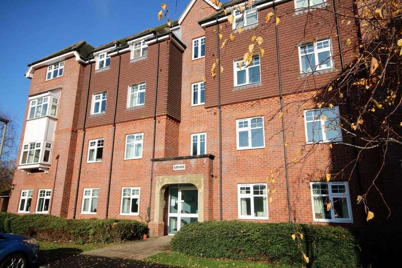 2 Bedrooms Apartment Flat for rent in Elder House, The Hollies, Mapledurwell, Hampshire