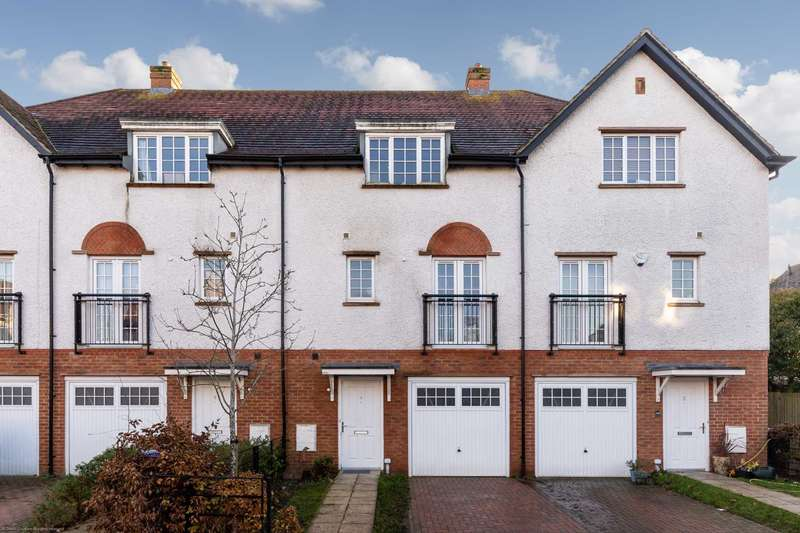 4 Bedrooms Town House for sale in Lowe Drive, Letchworth Garden City, SG6 1FW