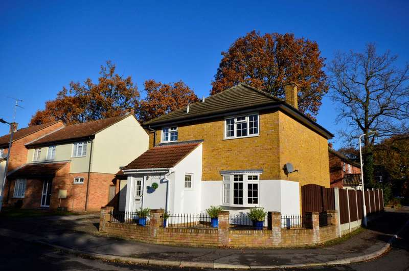 4 Bedrooms Detached House for sale in Trafalgar Way, Billericay