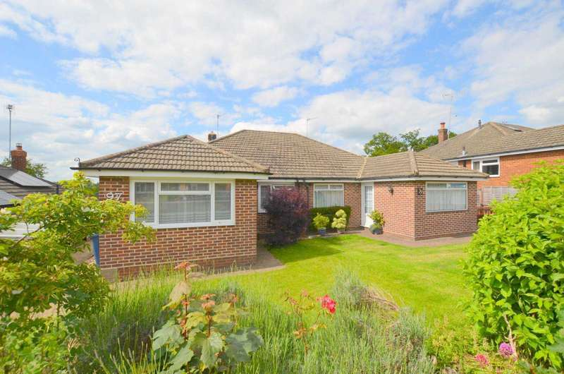 3 Bedrooms Bungalow for sale in Nalders Road, Chesham HP5