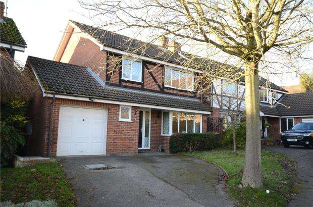 4 Bedrooms Detached House for sale in Cherry Tree Grove, Wokingham, Berkshire
