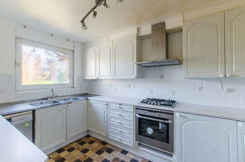 5 Bedrooms End Of Terrace House for sale in Brownlow Road, Lloyd Park, CR0