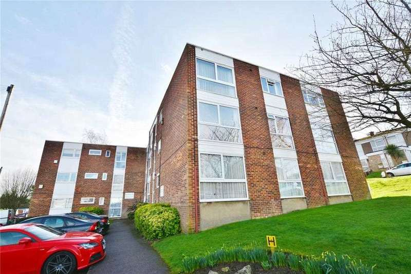 2 Bedrooms Flat for sale in Claybury, Bushey, WD23.