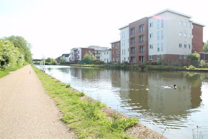 2 Bedrooms Flat for sale in Deansgate Lane, Timperley, Altrincham