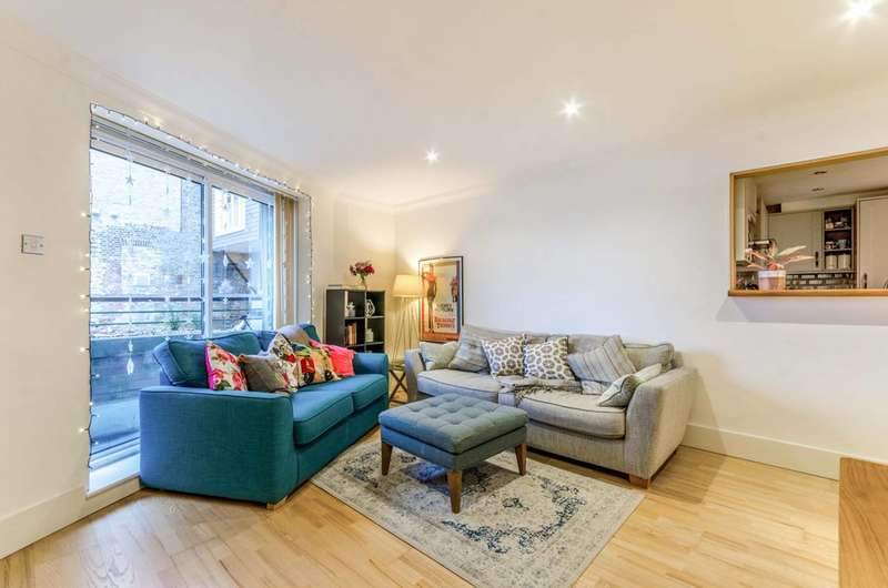 2 Bedrooms Flat for sale in Molines Wharf, E14, Limehouse, E14