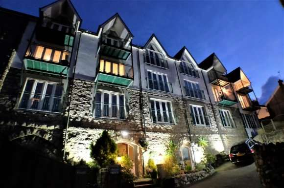 13 Bedrooms Property for sale in The Boathouse, Mumbles Road, Mumbles, Swansea, SA3 4EA