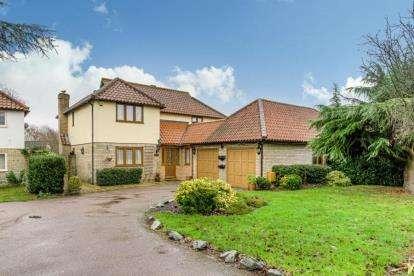 4 Bedrooms Detached House for sale in Linceslade Grove, Loughton, Milton Keynes