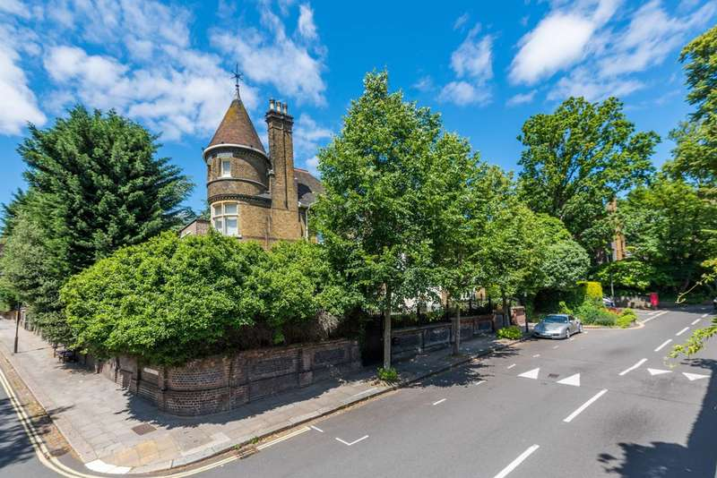 3 Bedrooms Flat for rent in Frognal, Hampstead, NW3