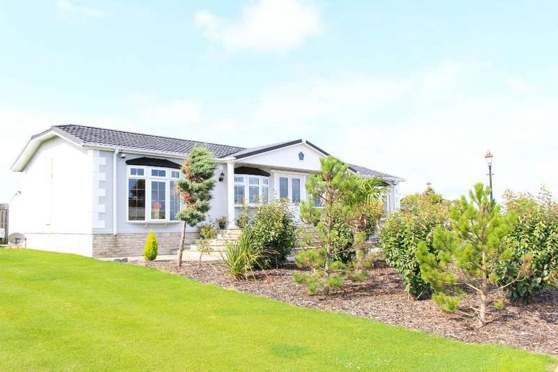 3 Bedrooms Park Home Mobile Home for sale in Wyre Country Park, Wardley's Lane, Staynall, Lancashire, FY6 9DX