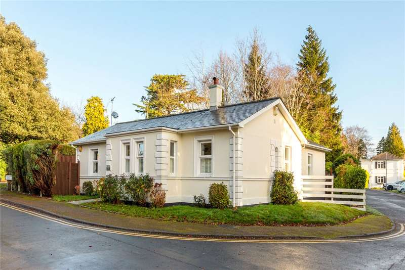 4 Bedrooms Detached Bungalow for sale in Trinity Close, Tunbridge Wells, Kent, TN2