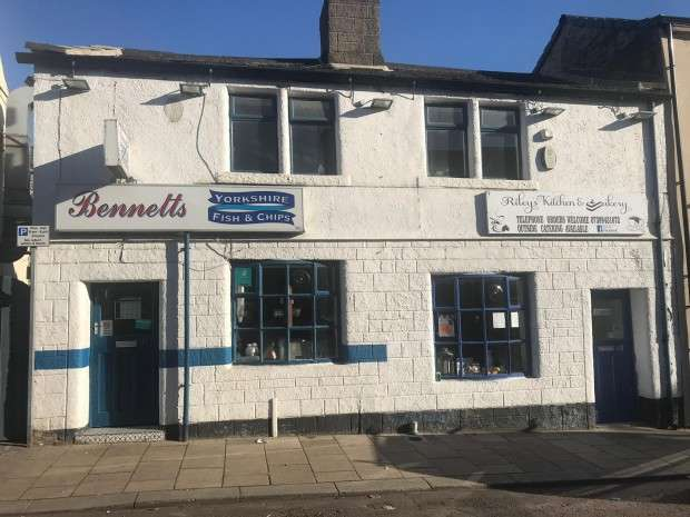 Shop Commercial for rent in Town Street, Pudsey, LS28