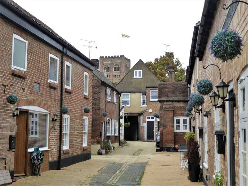 2 Bedrooms Property for rent in Dolphin Yard, Holywell Hill AL1