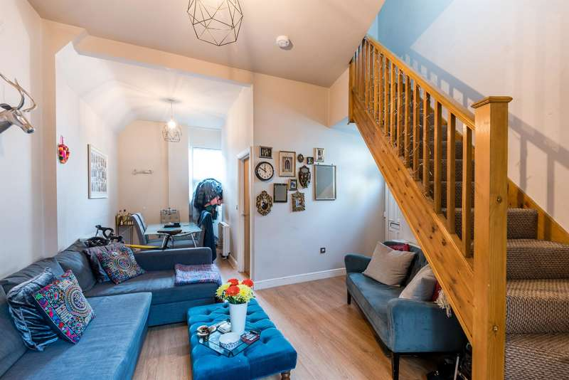 3 Bedrooms Semi Detached House for sale in Casterton Street, London, E8