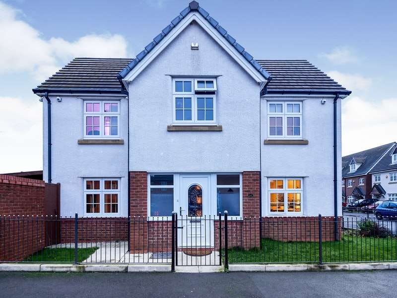 4 Bedrooms Detached House for sale in Ashville Terrace, Manchester, Greater Manchester, M40