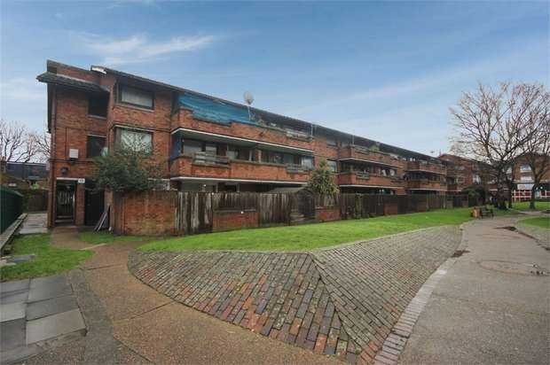 1 Bedroom Flat for sale in Mary Datchelor Close, London