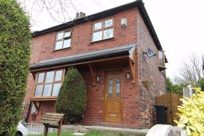 3 Bedrooms Property for sale in Wingates Grove, Westhoughton, Bolton, Greater Manchester, BL5 3PH