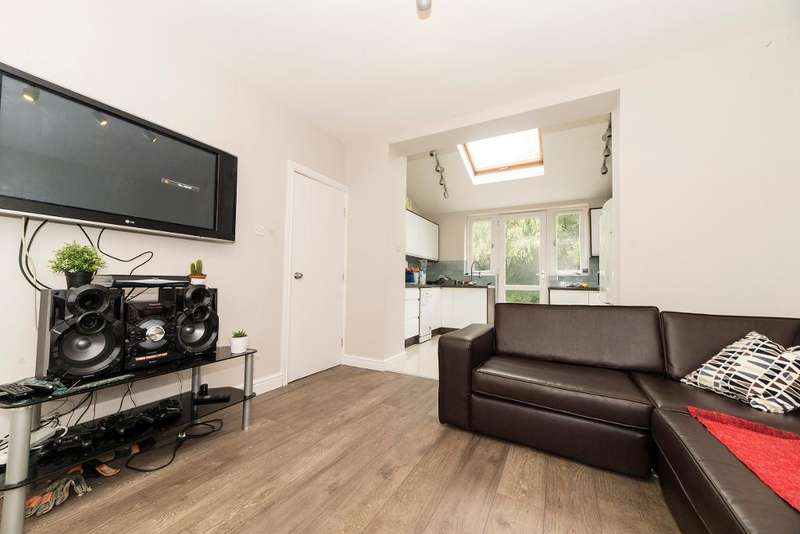 7 Bedrooms Semi Detached House for sale in Wald Avenue, Fallowfield, Manchester, M14 6TE