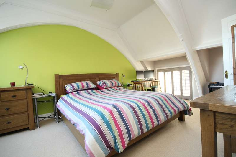 2 Bedrooms Mews House for sale in Old School Mews, Staines upon Thames, TW18